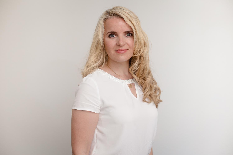 Frau Irina Stoll
